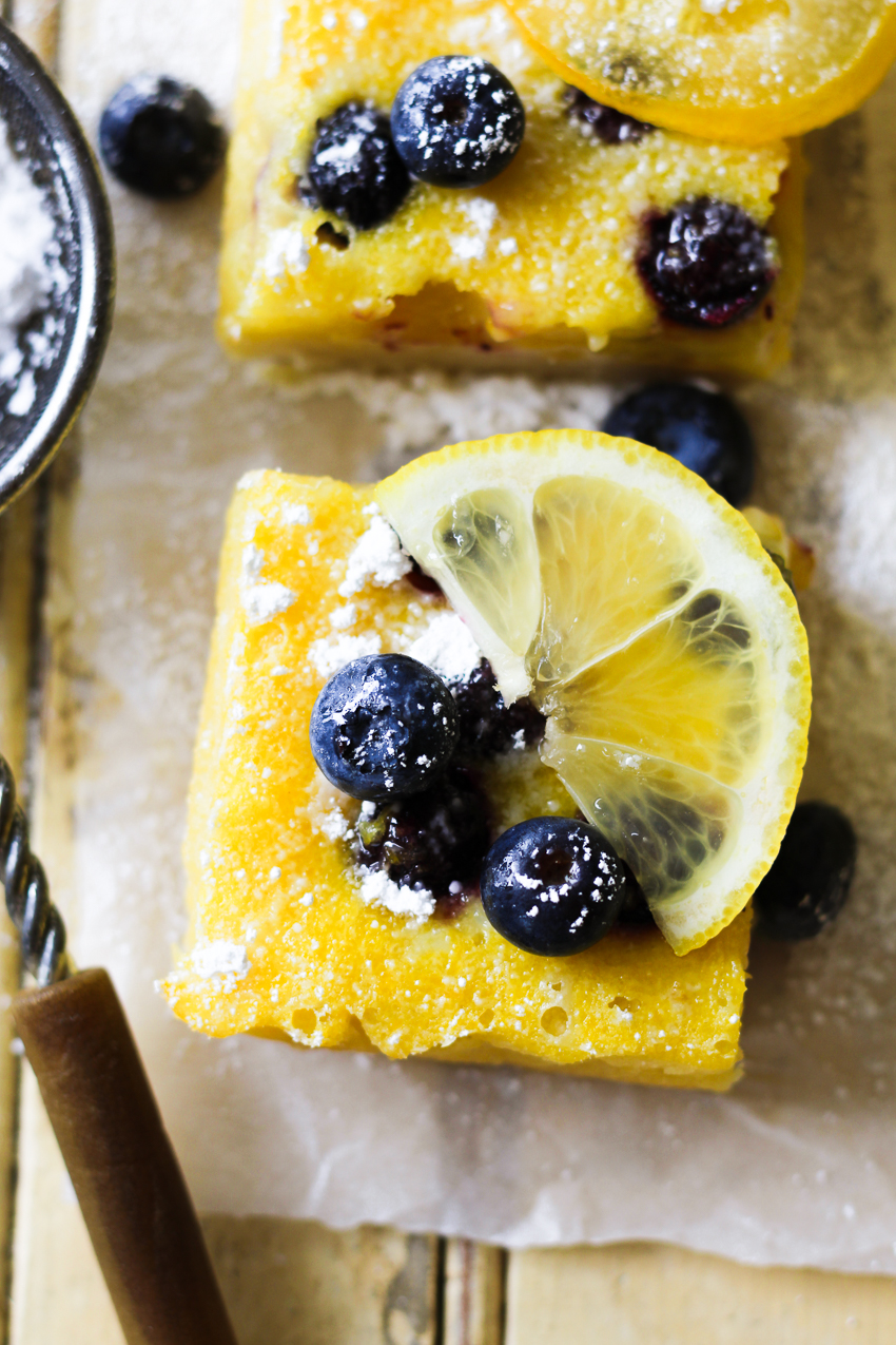 blueberry lemon bar closeup