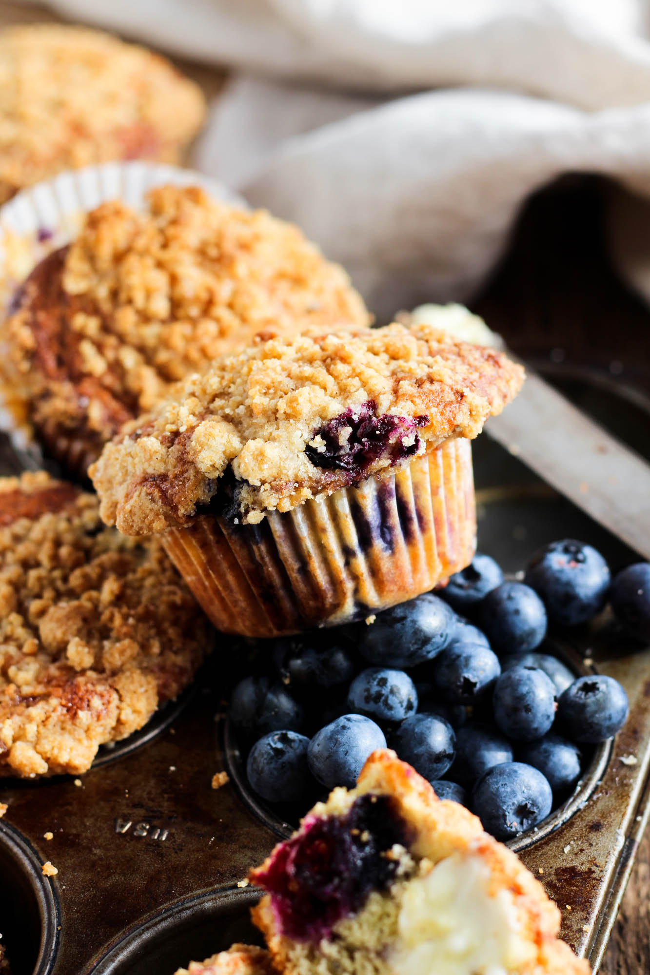 Blueberry muffins with sugar cookie streusel