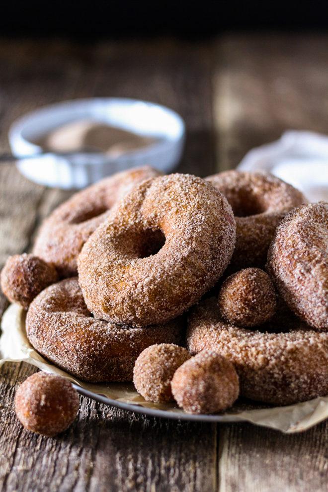 easy cinnamon sugar donuts