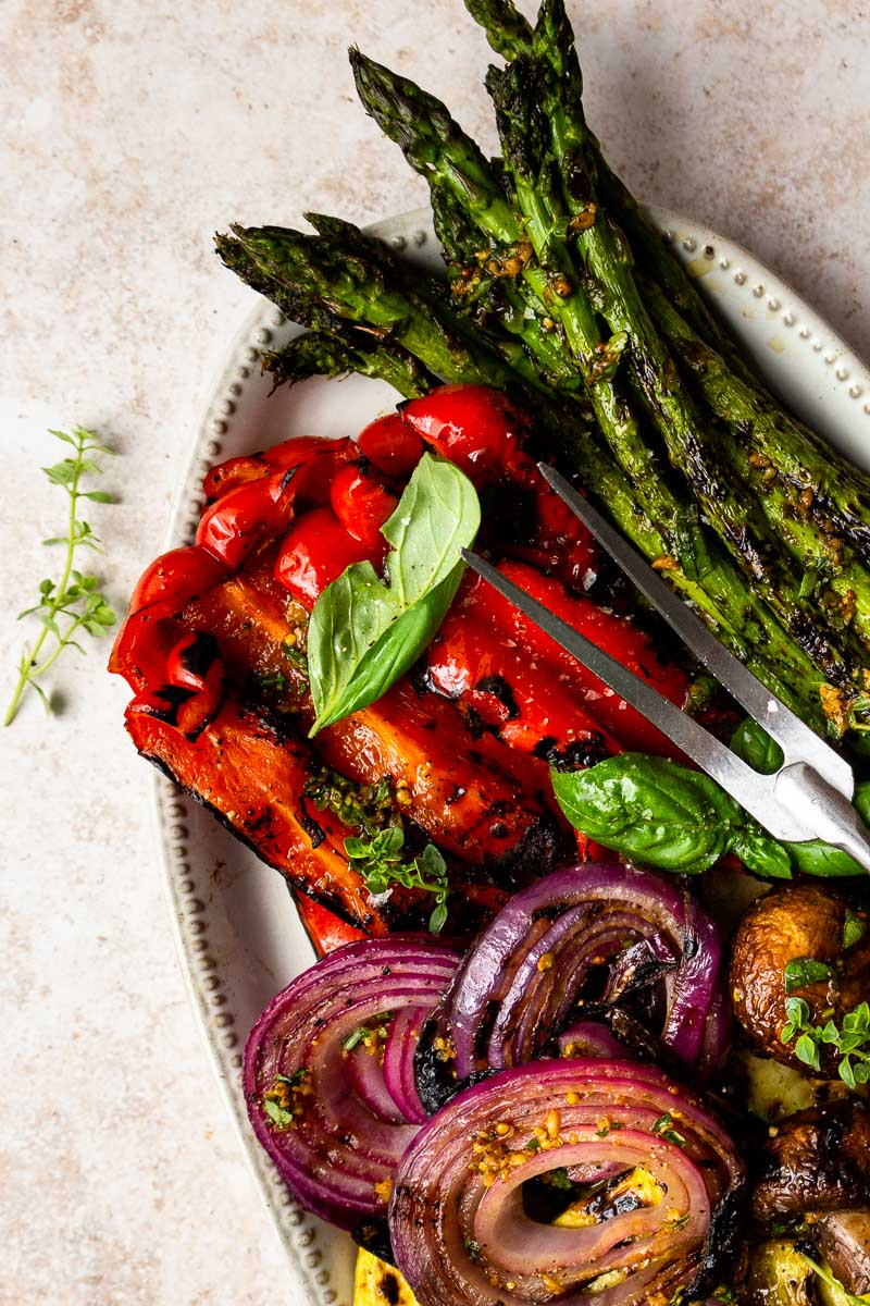 grilled peppers and asparagus