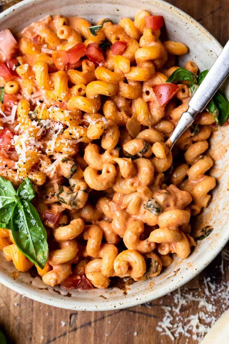 tomato basil pasta in a bowl